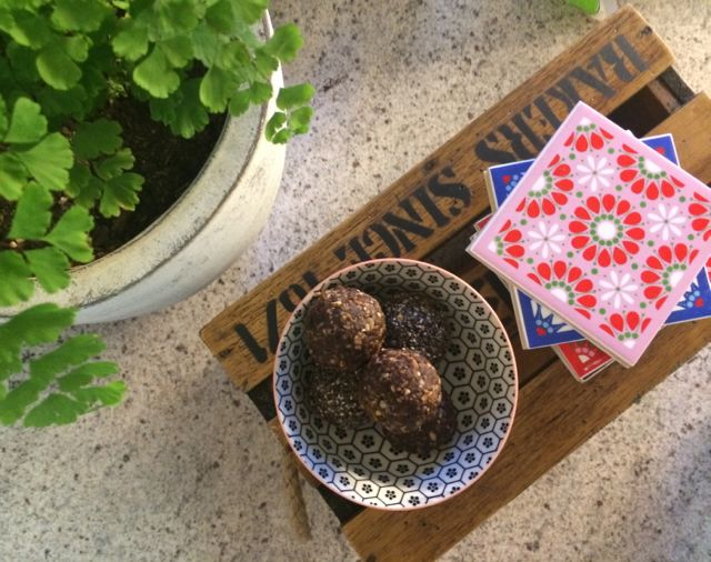 recipe, chia balls, healthy recipe